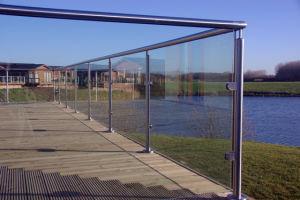 Aluminium Railing Glass Balustrade Swimming Pool Use Handrail Railing pictures & photos