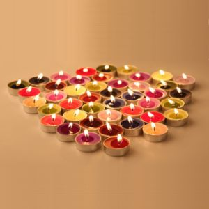 Colored Fragrance Doorgift Tealight Candle pictures & photos