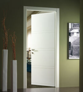 White Smooth Single Flush Door pictures & photos