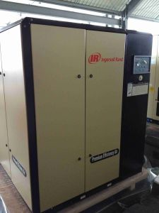 Ingersoll Rand Variable Speed Screw Air Compressor (R132N) pictures & photos