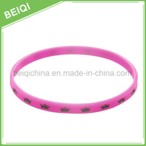 Cheap Promotional Gifts Customized Silicone Wristbands pictures & photos