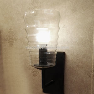Interior Cottage Vintage Style Bronze Color Clear Ripple Glass LED Wall Light for Bedroom and Stair pictures & photos