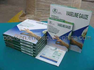 Vasline Gauze Pad with CE Approved pictures & photos