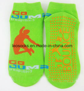 Customized Anti Slip Trampoline Socks pictures & photos