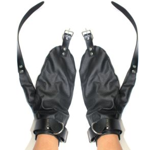 Sex Glove Bodage Male Black Gloves Muti-Function Sex Gloves with Hand Ring Sex Bondage Mitts pictures & photos