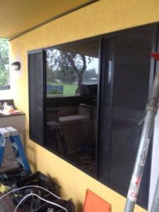 Black Aluminium Sliding Window (pH-8501) pictures & photos