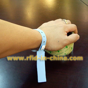 Gen 2 UHF RFID Wristband (12) pictures & photos