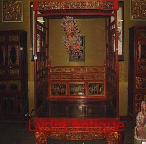 Antique Bed (M(35))