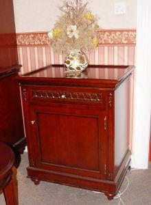 Small Decorative Cabinet (JP017-922)