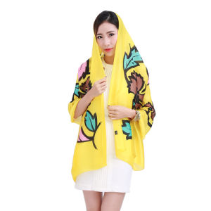 2016 Fashion Printed Pattern of Maple Leaf Scarf pictures & photos