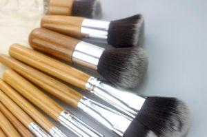 Natural Bamboo Handle Makeup Brush with Environmental Linen Bag pictures & photos