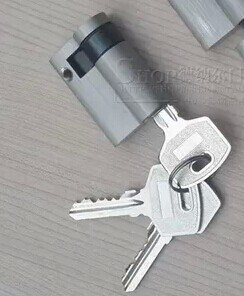 High Quality Brass/Zinc Normal Key Lock Cylinder (45mm half cylinder) pictures & photos