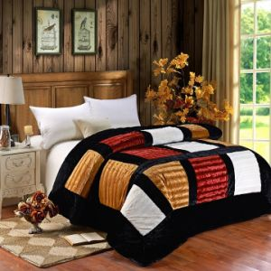 2015 New Design Luxury Patchwork Quilt Bedding Set (SH15111)