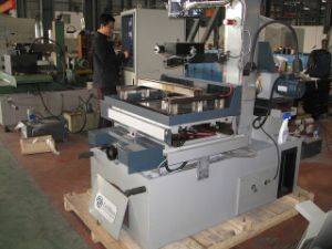 China CNC Wire-Cutting Machine for Metal Mould Processing