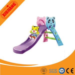 Ce Approved Outdoor Plastic Small Slide for Kids Play Back Yard pictures & photos