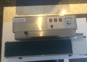 2015 Brother Hot Sale Continuous Band Sealer (SF150W) pictures & photos