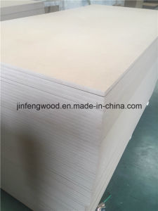 E1 Grade 15mm Thickness MDF/ Melamine MDF pictures & photos