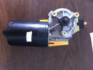 Ce Approved Wiper Motor for Car of Peugeot (LC-ZD1033) pictures & photos
