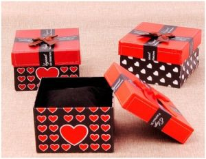 Jewelry Packing, Red Heart Paper Box for Velentine′s Day pictures & photos