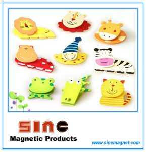 Painted Wooden Cartoon Fridge Magnet with Clip pictures & photos