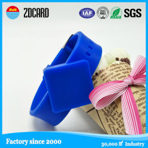 Wholesale Customized Color RFID Silicone Wristband pictures & photos