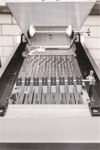 8 Channels Automatic Pills Counting Machine pictures & photos
