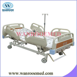 Three Crank Manual Hospital Bed Accessories pictures & photos