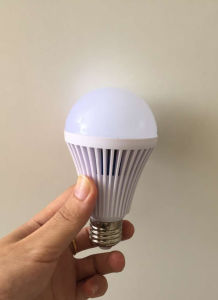 Factory Rechargeable Emergency LED Bulb 5W LED Bulb Light pictures & photos