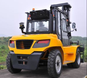 Un 10.0t Diesel Forklift with Original Isuzu Engine with Duplex 6.5m Mast pictures & photos