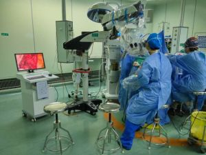 Portable Multi-Functional Operation Microscope pictures & photos