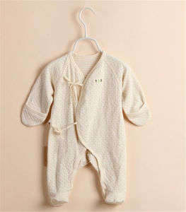 Organic Cotton Baby Romper with Feet Spring and Autumn Thin Type Baby Climb Clothes pictures & photos