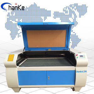 2016 Advanced CO2 Laser Cutting for Acrylic/ Leather/ Fabric pictures & photos