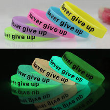 Charm Glow in Dark Luminous Silicone Rubber Wrist Band Bracelet pictures & photos