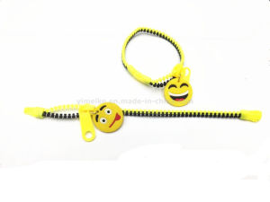 New Novelty Zipper Design Emoji Silicone Bracelet Wholesale in Stock pictures & photos