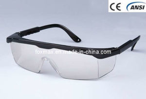 Safety Goggle, With Flexible Leg (GB014-1) pictures & photos