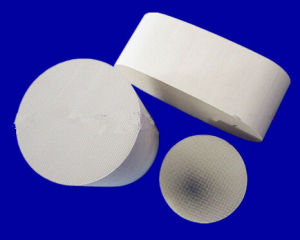 Ceramic Substrate for Catalytic Converter Cordierite Honeycomb Ceramic Substrate pictures & photos