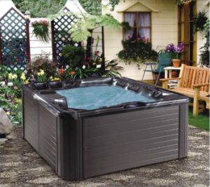 Deluxe 5 Persons Acrylic Outdoor Jacuzzi Bathtub (Mars) pictures & photos