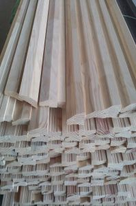 Edge Glued Finger Joint Pine Wall Slat (Slab) with White Primer Painted pictures & photos