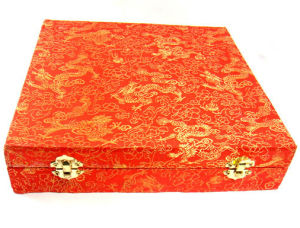 Traditional Style Silk Cloth Giftware Holder Box pictures & photos