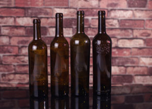 750ml Antique Green Wine Bottles with Screen Printing pictures & photos