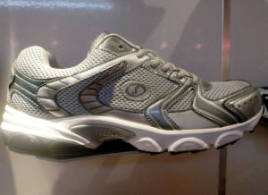 Latest Style Wear-Resisting Men Jogging Shoes Sneaker (hl918-22) pictures & photos