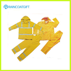 Reflective 2PCS PVC Polyester Men′s Rainsuit (Rvc-112) pictures & photos