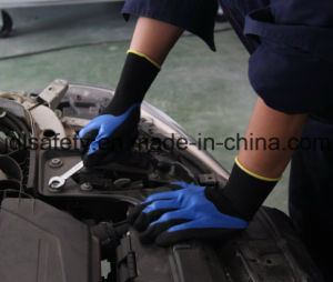 Nylon and Spandex Knitted Work Glove with 3/4 Black Sandy Nitrile Dipping (N1572) pictures & photos