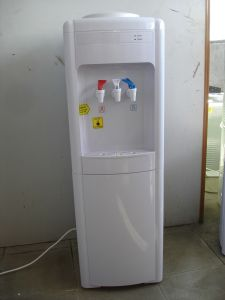 Hot, Warm & Cold Water Dispenser (3 Taps) pictures & photos