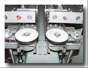 Labeling Automatic Labeling Machine, Bottle Labeling Machinery, Label Shrinking Machinery pictures & photos