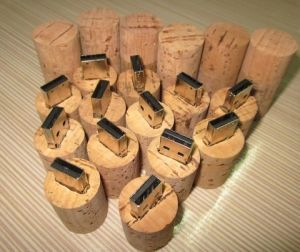 Wooden USB Flash Drive 4GB pictures & photos