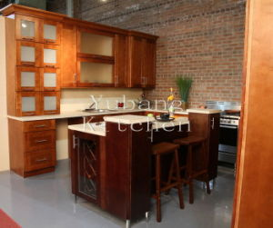 Solid Wood Kitchen Cabinet and Kitchen Furntiure #214 pictures & photos