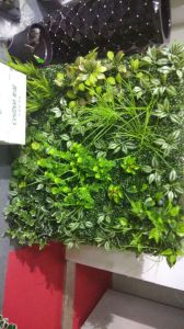 High Quality Artificial Plants and Flowers of Vertical Garden Gu1123wa0128 pictures & photos