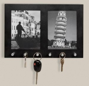 Practical Black Wooden Frame with Six Hooks pictures & photos