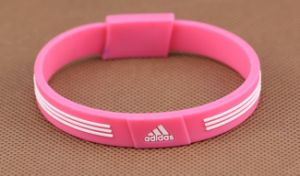 2016 Fashion Gift Promotional Embossed Silicone Bracelet pictures & photos